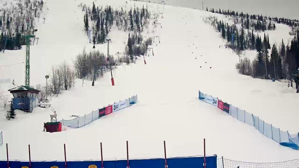 Веб-камера на склоне Полярные Зори, Мурманская область